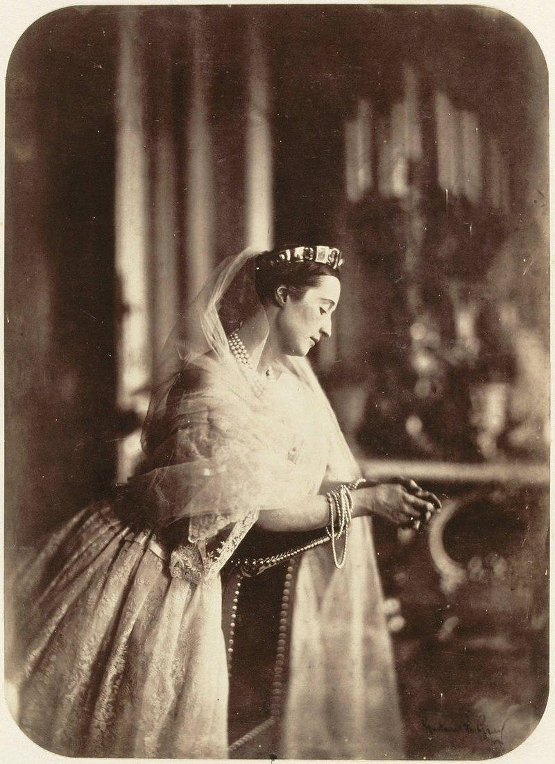800px-Eugénie_de_Montijo,_Empress_consort_of_the_French