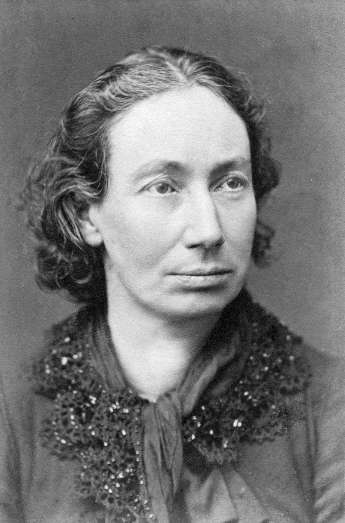 Louise_Michel,_grayscale