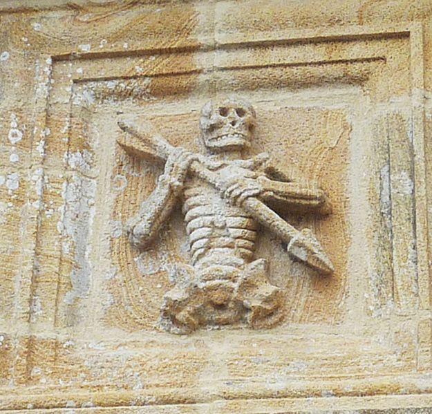 Wizerunek Ankou na ossuarium w Ploudiry (dep. Finistère). Fot. Henri Moreau - CC BY-SA 3.0 Źródło: Wiki Commons